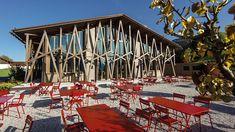 Im Hotel Lartor Erholung, Kunst und Kulinarik genießen. Außergewöhnliche Momente stehen hier auf der Tagesordnung. Grill Bar, Restaurant, Boutique, Hotel Spa, Grilling, Dining, Sports, Raw Salmon, Cozy Fireplace