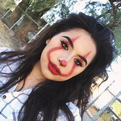 Are you looking for easy scary Halloween costumes? Here are 29 of our top 29 ideas for a costume that is sure to scare the socks off of your friends. Halloween Clown, Creepy Halloween Makeup, Halloween Makeup Looks, Scary Makeup, Halloween Stuff, Bff Halloween Costumes, Cute Clown Makeup, Cute Clown Costume, Clown Makeup Tutorial