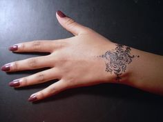 16 Bracelet Tattoo Designs for Women (12)