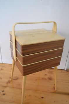 Vintage  sewing basket cantilever sewing craft box basket