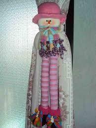 Las Bellas Manualidades De Flor Maria added a new photo — with Grisel Coromoto Velasquez Rodriguez and Yadelys Ramos. Ideas Para, Ladder Decor, Curtains, Outdoor Decor, Christmas, Home Decor, Type 3, Facebook, Photos