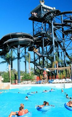 Spend The Day With Your Friends At Splashtown Waterpark In