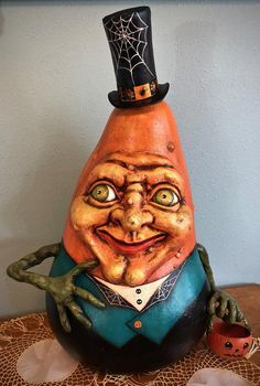Art Halloween, Halloween Gourds, Halloween Ornaments, Halloween Decorations, Halloween Stuff, Painted Gourds, Painted Rocks, Hand Painted, Butterfly Dragon