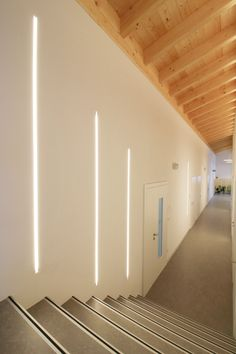 Lineare Systemlösung für den Einbau in alle gängigen Baumaterialen! Led, Stairs, Home Decor, Construction Materials, Save Energy, Stairway, Decoration Home, Room Decor, Staircases