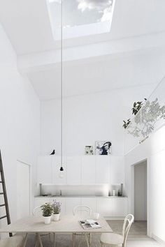 White home decor, Scandinavian home decor. Minimal interiors, loving it!