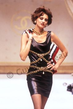 Ines_de_la_Fressange_Chanel Couture F-W 1986-87-Photo Guy Marineau_003