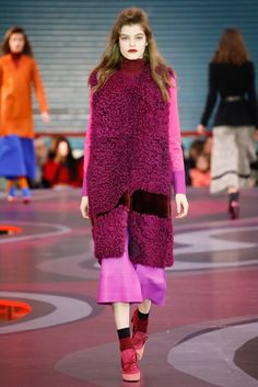 Roksanda Fall 2015 Ready-to-Wear - Collection - Gallery - Style.com FURRY COLOURS!