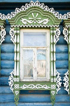 decorative carved wood window frame, kovrov, russia | architectural details
