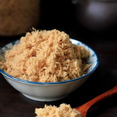Home Made Meat Floss. Home made meat floss perfect snack; tops for noodles porridges and buns Pork Recipes, Asian Recipes, Cooking Recipes, Pork Floss, Chinese Bbq Pork, Chinese Food, Bread Maker Recipes, Hoisin Sauce, Savory Snacks