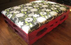 First pallet ottoman finished...made by one crafty sister