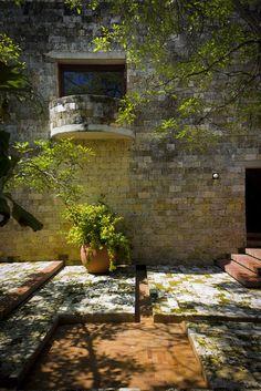 rogelio salmona arquitecto / casa de huéspedes Ilustres, cartagena