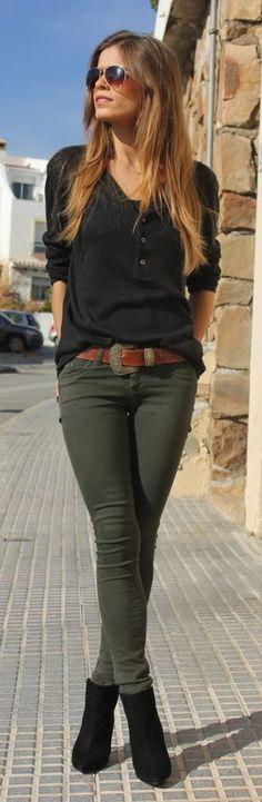 Oufits con pantalón verde