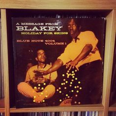 Thursday finally... A Message From Blakey Holiday For Skins... really cool record... nothing but all stars...side two swings.... watch out for the chanting.... #vinyljunkie #nowspinning #vinyloftheday #vinylcollection #album #albumcover #DJ #recordcollection #vinyl #music #record #turntable #recordcollection #vinylcommunity #soulmixing #33rpm #vinylclub #recordplayer #instavinyl #vinylporn #onmyturntable #vinyladdict #monochromatic #orange #vinylcollectionpost #polkadots #drum #jazz