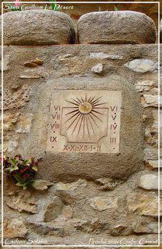 Cadran Solaire. Saint Guilhem Le Désert. Un cadran solaire.