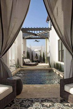 28 Mindbogglingly Alluring Small Backyard Designs Beautified by Swimming Pools