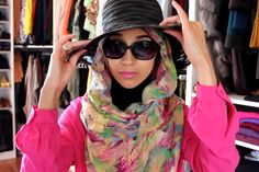 Not one, not two, but four simple everyday ways to wear your hijab, fit for the campus. Description from aquila-style.com. I searched for this on bing.com/images