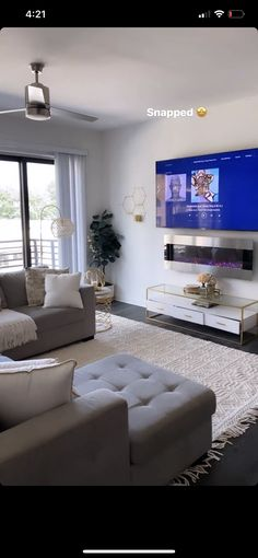 Fancy Living Rooms, Living Room Styles, Decor Home Living Room, Home Bedroom, Living Room Designs, Girl Apartment Decor, First Apartment Decorating, Apartment Living, Aesthetic Room Decor