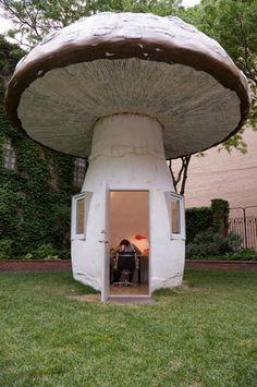 Mushroom-home!!! Bebe'!!! Unusual home built to look like a mushroom!!!