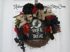 HALLOWEEN OVAL WREATH...Happy Halloween Door Wreath....Trick or Treat Door Wreath...Halloween Party Decoration Wreath...Seasonal Holiday Dec by AutumnsEchoShoppe on Etsy