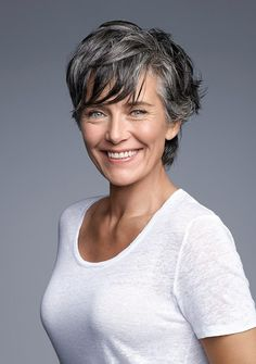short hairstyle for grey hair, beautiful over 50 Short Thin Hair, Short Grey Hair, Short Hair Cuts, Grey Hair Bob, Short Blonde, Hair Styles 2016, Curly Hair Styles, Gray Hair Highlights, Grey Hair Inspiration