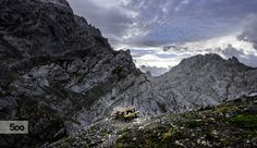 Banco en Refugio Jermoso by Jose Luis Pastor (Cantó) on 500px Mount Everest, Exterior, Mountains, Nature, Travel, Shelters, Banks, Paths, Pastor