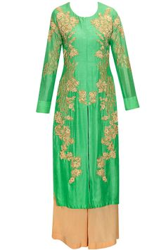 Lucite green embroidered kurta with palazzo pants and dupatta by Aneesh Aggarwal. Shop now: www.perniaspopupshop.com. #kurta #palazzo #aneeshaggarwal #embroidered #clothing #shopnow #perniaspopupshop #happyshopping