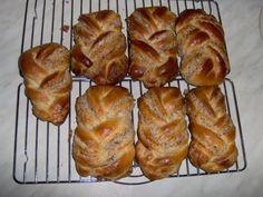 0376. plněné kynuté pletýnky od Kovářka - recept pro domácí pekárnu