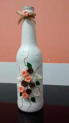 1 million+ Stunning Free Images to Use Anywhere Wine Bottle Flowers, Wine Bottle Vases, Recycled Glass Bottles, Plastic Bottle Crafts, Painted Wine Bottles, Diy Bottle, Wine Bottle Crafts, Mason Jar Crafts, Diy Craft Projects