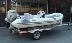 Stratford Fire Department (ON): Rescue Boat - 2002 Avon Adventure inflatable boat, Honda 40 HP outboard motor