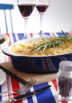 Zapiekanka mięsno-ziemniaczana #intermarche #inspiracje #TydzienFrancuski #SmakiFrancji #zapiekanka Japchae, Ramen, Japanese, Ethnic Recipes, Food, Japanese Language, Essen, Meals, Yemek