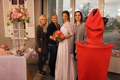 TELERÁNO & SVADOBNÉ KYTICE Svadobné kytice v Teleráne zo Silviou a Majkou. Ukážka svadobných kytíc k jednotlivým typom šiat