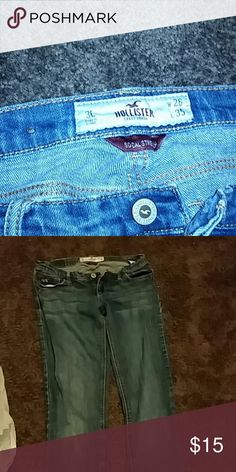 Hollister jeans size 3L bootcut. These jeans are in perfect condition minus the Hollister tag in the back. Only selling because I can't fit in them anymore Hollister Jeans Boot Cut