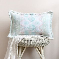 See how to transform a Thrift Store placemat into an on trend Throw Pillow! ~ I've got to find prettier placemats than this one.