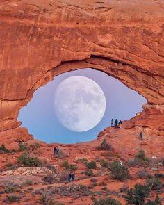 Moon Pictures, Moon Pics, Utah Usa, Strange Places, Framing Photography, Art World, Light In The Dark, Modern Art, Art Gallery