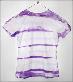 Striped Tie Dye T-Shirt Tie Dye Steps, How To Tie Dye, Tie Dye Shirts, Dye T Shirt, Team Shirts, Tee Shirt Crafts, Tie Dye Instructions, Tie Dye Crafts, Fleece Crafts
