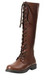 Product Description Pair these Women's Brown Lace Up Boots with your ...