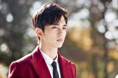 Yoo Seung Ho steals hearts as a handsome 'genius lawyer' | http://www.allkpop.com/article/2015/11/yoo-seung-ho-steals-hearts-as-a-handsome-genius-lawyer