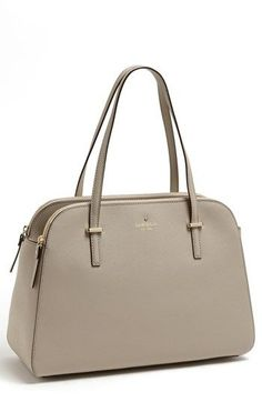 such a great color for a summer/fall purse