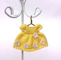 Miniature doll dress for 2.5-2.7 inch doll, yellow bamboo dress with white crochet flowers, dollhouse clothing by AnnaToys on Etsy