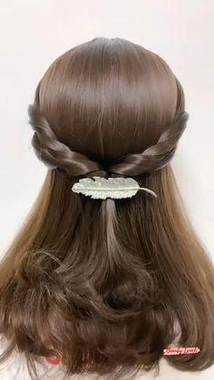 Hair Tutorials For Medium Hair, Hairstyles For Medium Length Hair Easy, Hairdo For Long Hair, Hairstyle Tutorials, Front Hair Styles, Medium Hair Styles, Hair Videos, Hair Hacks, Hair Makeup