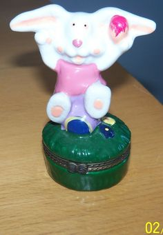 Trinket Box Easter Bunny Rabbit Colored Eggs Hinged Collectible