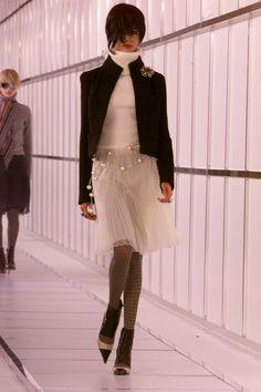 Chanel Fall 2000 Ready-to-Wear Fashion Show