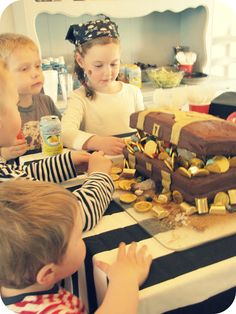 {treasure chest cake, plus other party activities like a treasure hunt} My House of Giggles: Captain Hook Pirate Party....Part 3 (the fun)