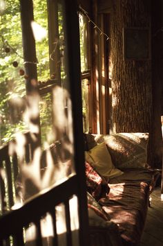 The Little Hermitage - Ardenwray: Tree House Morning - Atlanta, GA, Would like a screened porch in front of the master bedroom. Veranda large enough to be used as a sleeping veranda in summer. Nature Design, Vie Simple, Cabins In The Woods, Morning Light, Morning Sun, Rustic Feel, Light And Shadow, Serenity, Cottage