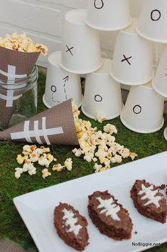 Football season is right around the corner! Superbowl party decor - NoBiggie.net