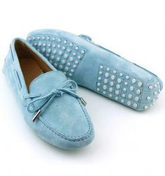 Mocassini artigianali personalizzabili. #loafers #handmade #madeinitaly #shoes #deasandals #fashion #outfit #fashionblogger #artisan #craftmanship #mocassini #scarpe #moda #caprisandals