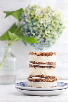 Cheesecake Recipes : DIY No-Bake Vegan Cheesecake Sandwich Cookies