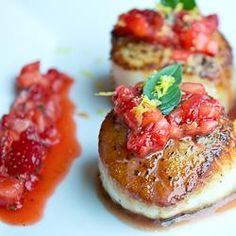 Seared Scallops with Strawberry Salsa