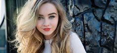 sabrina carpenter -goof for Summers with blonde or light brown hair