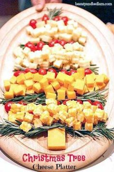 Holiday Vegetable Trays are festive, easy to make, healthy & delicious! Add fun to your Christmas table with one of these great vegetable/ fruit tray ideas. Christmas Veggie Tray, Christmas Appetizers, Christmas Trees, Christmas Holiday, Party Dip Recipes, Holiday Recipes, Christmas Cheesecake, Cheese Platters, Clean Eating Snacks